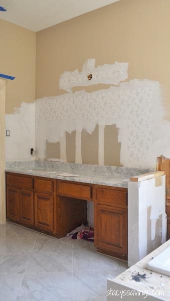 bathroom-primer-over-wallpaper