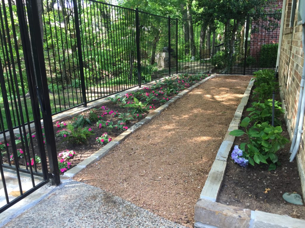 My new shade garden is done!