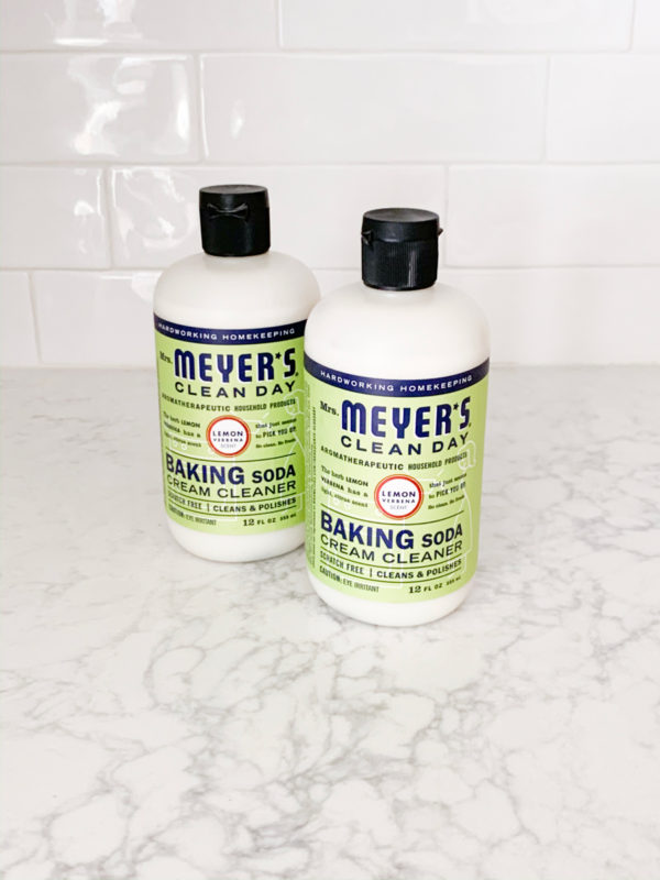 See what I ordered from Grove Collaborative in November 2019!  My favorite Mrs. Meyers Baking Soda Cleanser always makes the list!