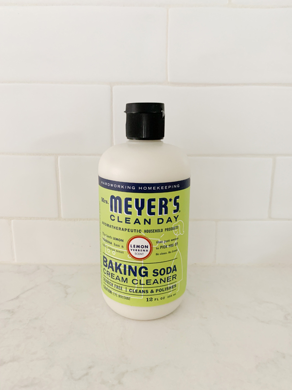See what I got in my Grove Collaborative March 2020 Order including my favorite Mrs. Meyers Baking Soda Cleaner